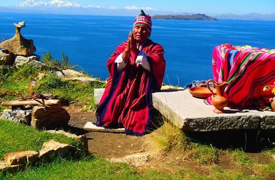 Puno – Sun island – La Paz <span>1 day <br> full day</span>