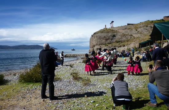 Puno &#8211; Taquile &#8211; Luquina &#8211; Uros Islands <span>1 day <br> full day</span>