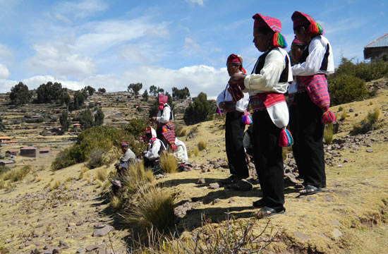 Uros Islands &#8211; Taquile / Cultural <span>1 day <br> full day</span>