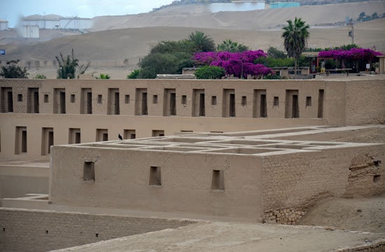 Tour to the Sanctuary of Pachacamac <span>3 hrs.<br>approx.</span>